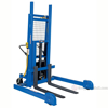"Pallet Master Server / Adj. Outriggers / Reciprocating Air/Oil Powered / up to 72"" High"